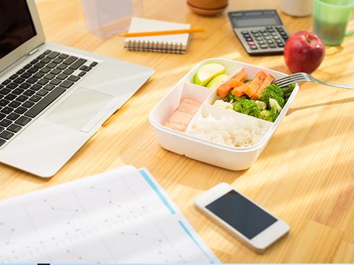 מביאים את הים למשרד <br />חמישה טיפים לשילוב דגים בארוחת הצהריים שלכם