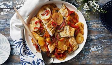 פילה דג ברמונדי בנוסח מרוקאי עם תפוחי אדמה